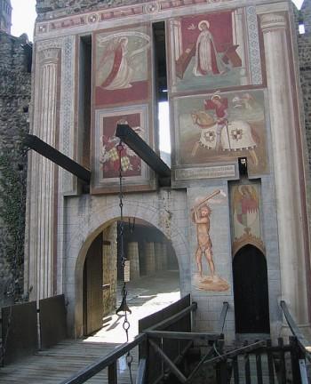 Borgo medioevaleponte levatoio