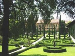 Proposte italia verona viaggi di for Giardino e palazzo giusti